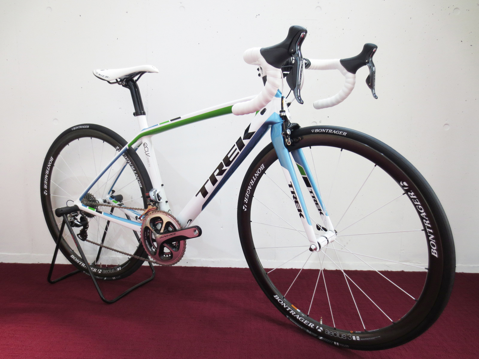 2013TREK MADONE7_Lead Out